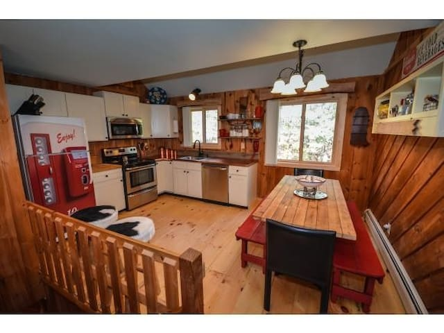 Mt Snow Townhome w/ Pool & Tennis Courts! - Dover - Ev