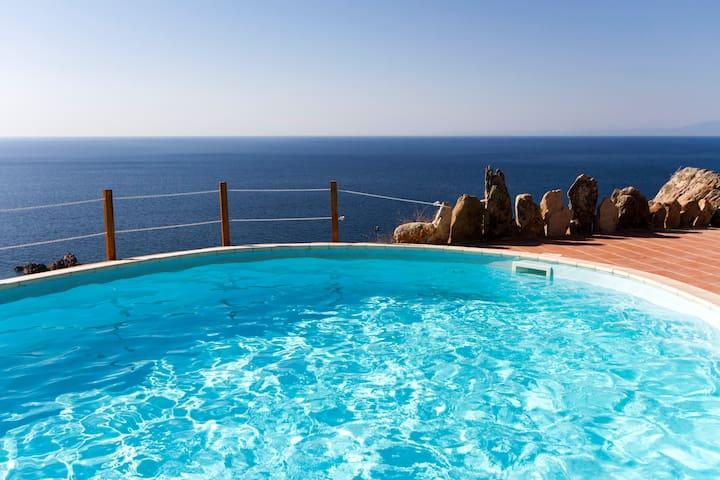 Villa Borgo dei Fiori indepediente con piscina - Trinità d'Angulto e Vignola - Villa
