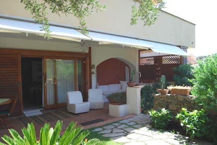 Lovely garden apartment in Costa Smeralda - Olbia - Lägenhet
