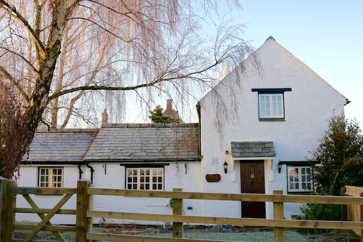 The White Cottage, Abthorpe - Abthorpe - Casa