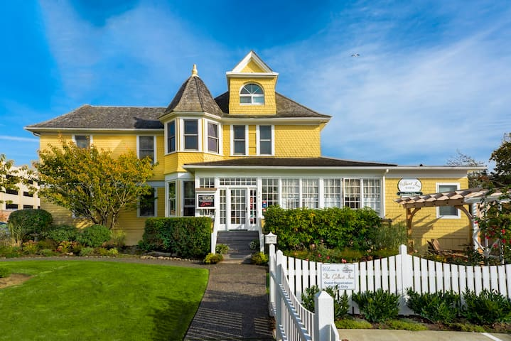 Gilbert Inn B&B, Deluxe Guest Room - Seaside - Bed & Breakfast