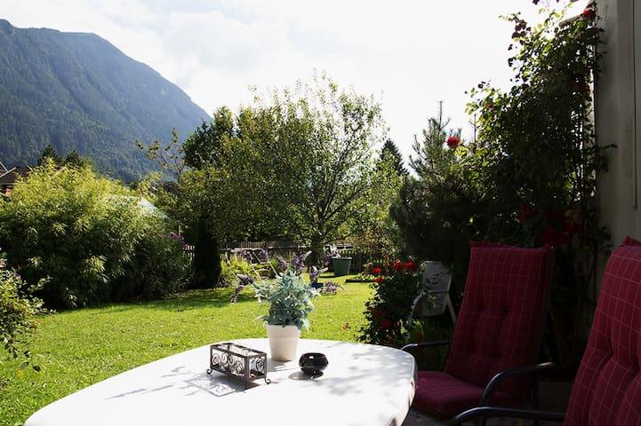 Traumblick in die Berge - Oberau - Leilighet