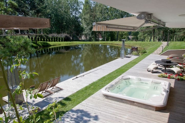 Stay in private SPA surrounded by nature - Kernavė - Villa