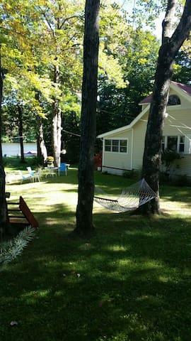 Cozy Lakefront Cottage. - Thompson - Ev