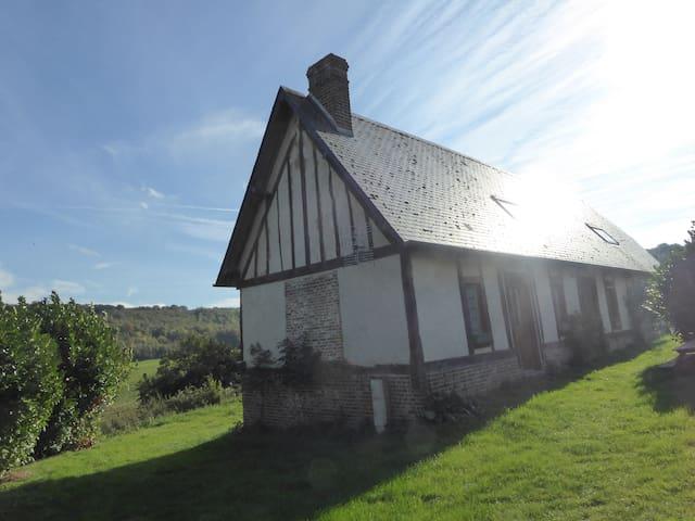 EN NORMANDIE, A LA CAMPAGNE, TRÈS BEAU GITE - Campneuseville - Huis