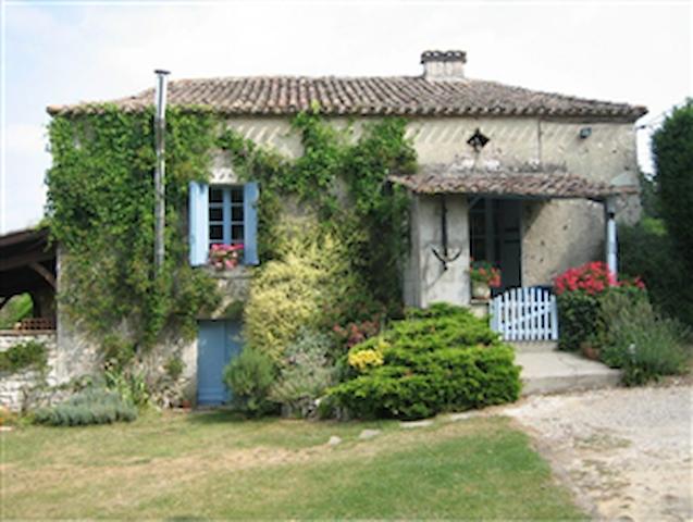 Traditional Gite with Pool 2-5 + - Saint-Capraise-d'Eymet - Rumah