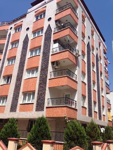Manisa merkezde 3+1 doğalgazlı lüx - Manisa Merkez - Apartament