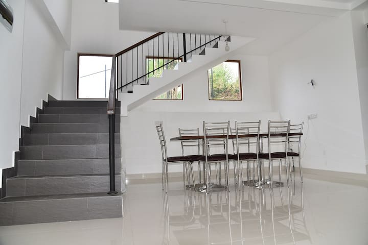 Mabreeze Holiday home  7 km away from Kandy town - Kundasale - Casa