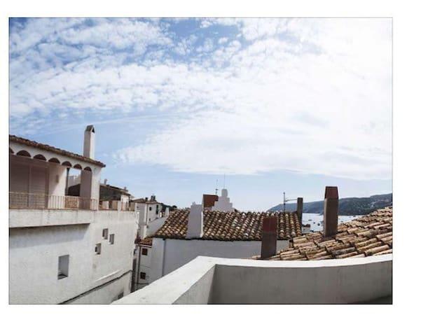 Casa de pueblo totalmente reformada - Cadaqués - Ev