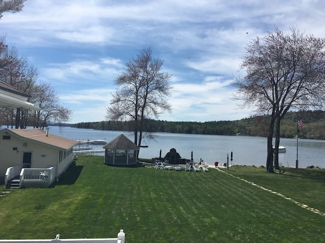 Waterfront cabin on lake Winnipesaukee!!! - Moultonborough
