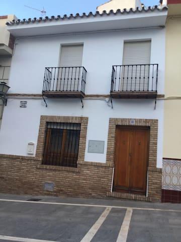 Casa alquiler - Villanueva del Rosario - Hus