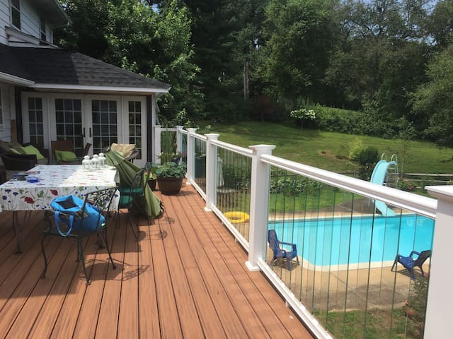 Pool - 2 luxury rooms, private bath Hockessin - Hockessin - Casa