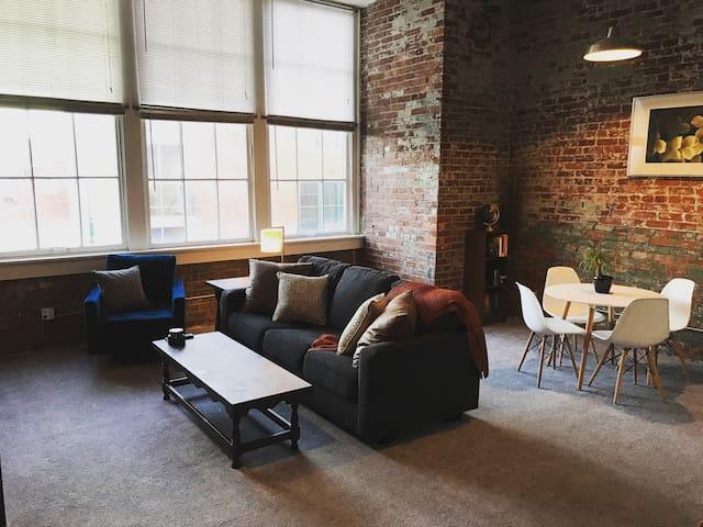 Modern Studio/Loft in Heart of OTR - Cincinnati - Lägenhet