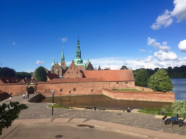 You can't get any closer to Frederiksborg Castle - Hillerød - Appartement