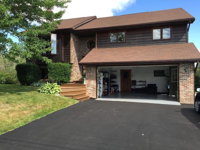 Beautiful home in central Nova Scotia - Stewiacke - Huis