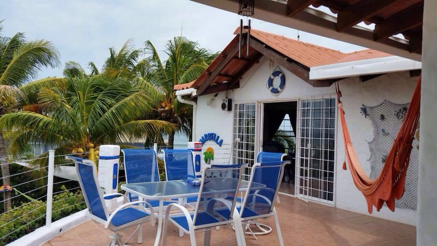 Beautiful Meditarranean Style 2 Floor Beach House - Pochomil - Dům