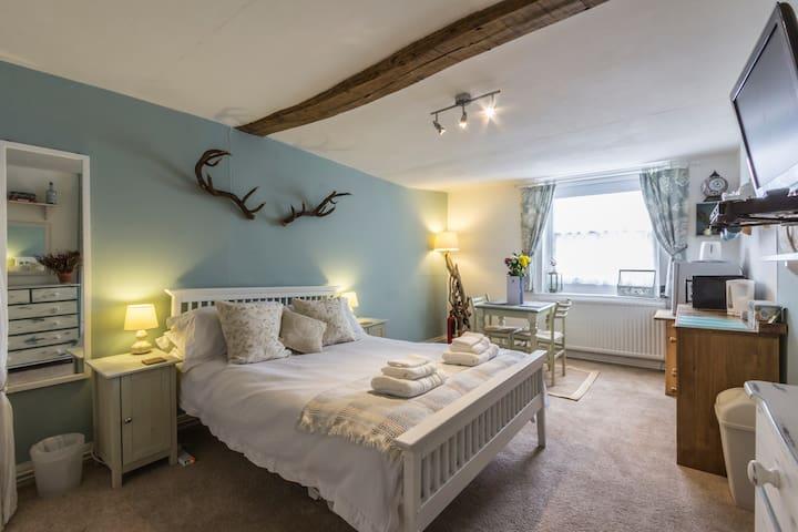A Room at The Inn! - Canterbury