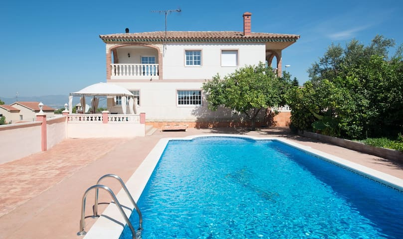 Holiday villa for 9 people with panoramic views - Calafell