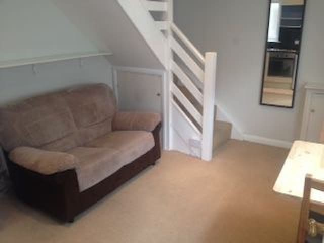 Great Location Refurbished Single House - Portsmouth