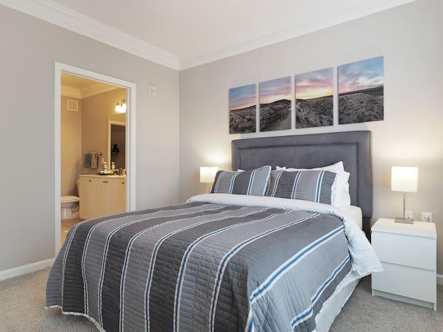 Modern, Warm & Spacious Room with Private Bath - Laurel - Apartemen
