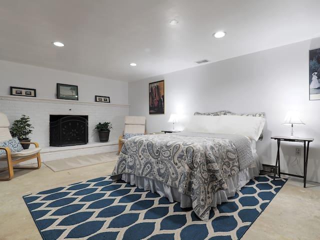 Quiet Studio Basement Apartment - Sykesville