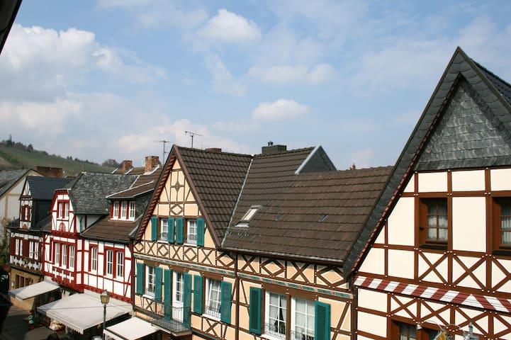 Ferienwohnung Ahrtorblick **** - Bad Neuenahr-Ahrweiler - Appartement en résidence