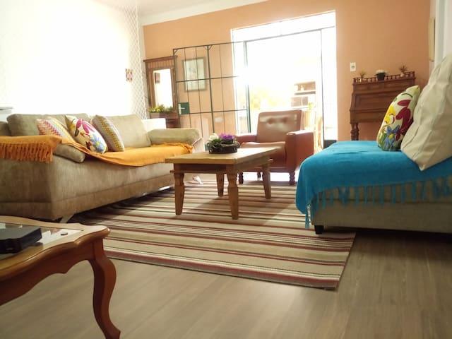 Apartamento com ampla varanda gourmet! - Poços de Caldas - Apartment