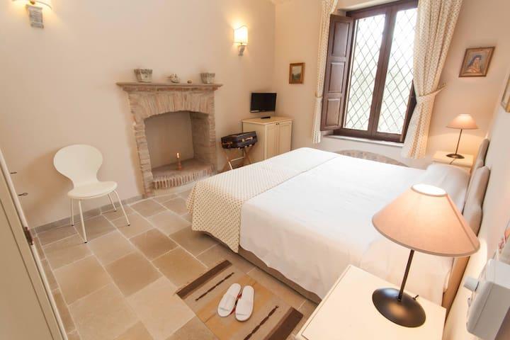 Tenuta Ciminata Greco - Camera doppia/matrimoniale - Rossano Stazione - Bed & Breakfast