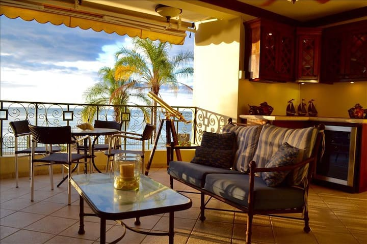 The Setting Sun | Best Sunsets on The Island | Beach-Front with Pool - Cabo Rojo - Appartement