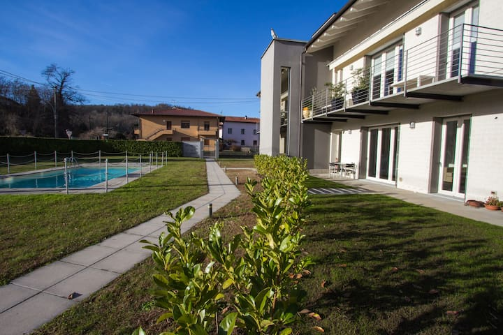"Boutique apartment with pool ""La dolce vita"" - Leggiuno"