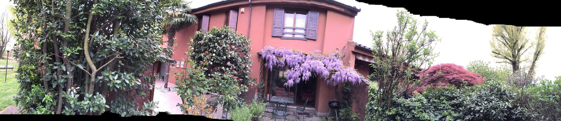 Glycine Villa 30 min from Milan - Arlate - Huis