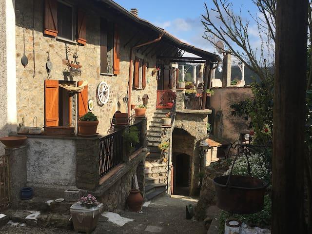 Villa Rodi rural location 30 minutes from Levanto - Bergassana - Hus