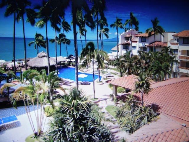 Beach Front 3-room apt, Plaza Pelicanos VIEWS! - puerto vallarta  - Résidence en temps partagé