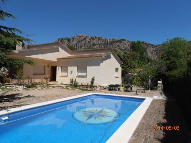 Exclusive Villa with pool - Collbató - Villa