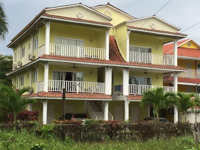 Condo Isla Colon, Bocas del Toro - good location - Bocas del Toro Province - Apartemen