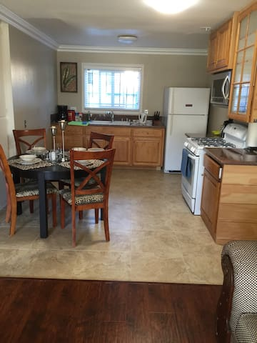 SuperAffordable new remodeled 2bm中文 - Moreno Valley - Appartement