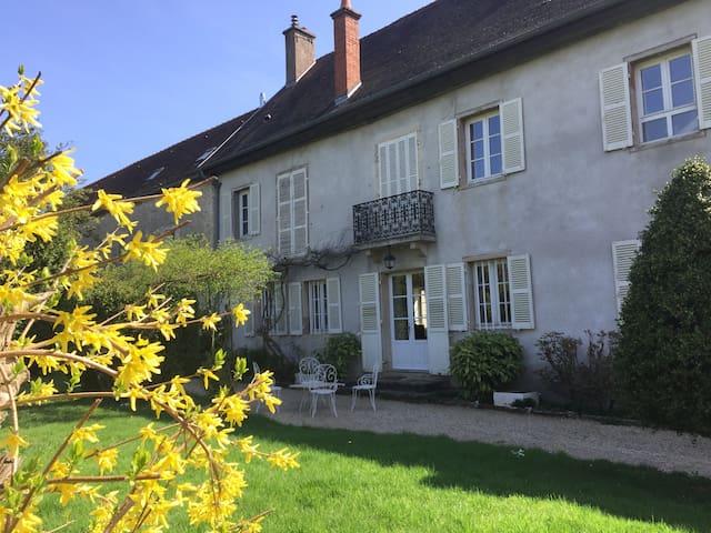 Maison de campagne dans un hameau. - Fénay - Hus