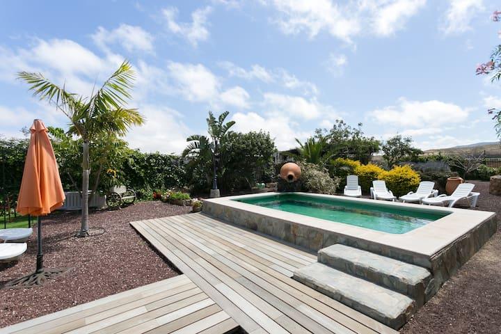 EXCELLENT COUNTRY HOUSE!! - EL ALTILLO - ARICO- TENERIFE- ESPAÑA - Casa