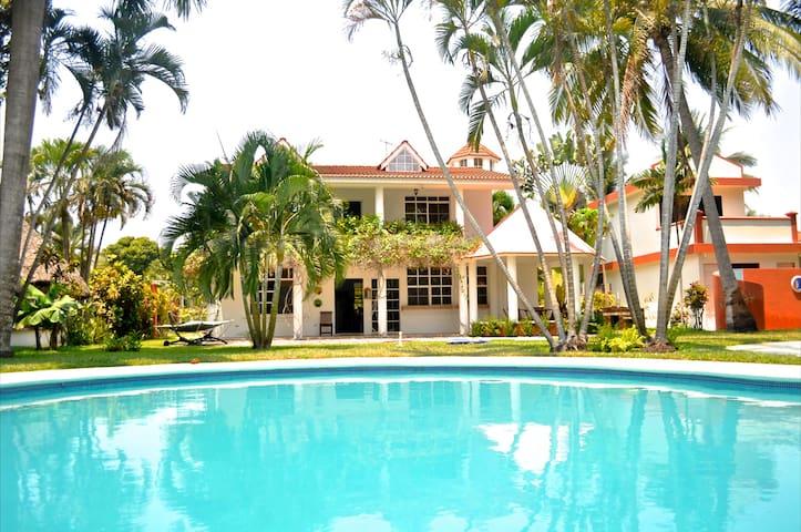 Beautiful Beach House|Casa de Playa - Puerto San José - Hus