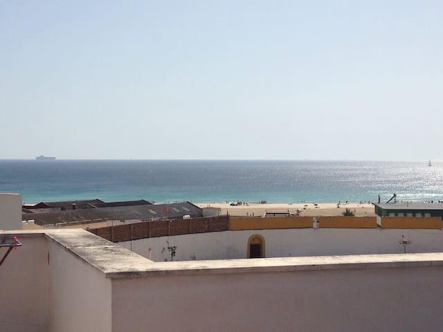 Apartamento con terraza y vistas - Tarifa