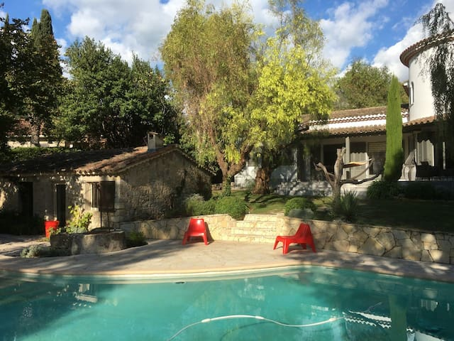 AMAZING HOUSE 10mn from Cannes center and beaches! - Mougins - Casa