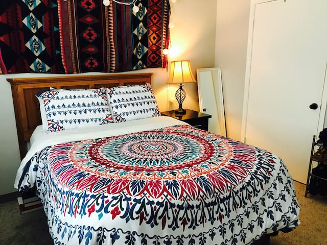 Comfortable and Convenient Apartment-close to UGA! - Athens - Leilighet