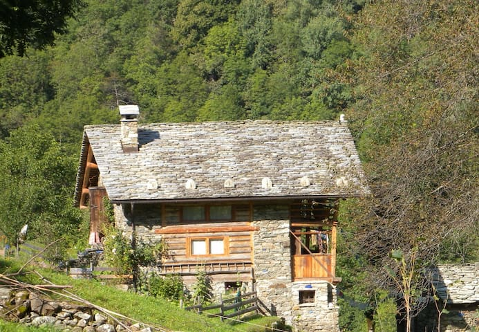 Charming walser house renovated  - Rassa - Chalet