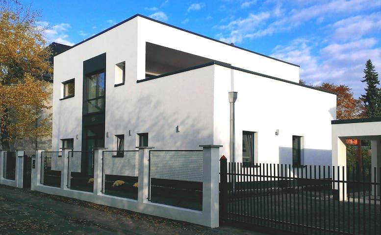 """Guest apartment """"Prague Bridge"""" - Leipzig - Villa"""