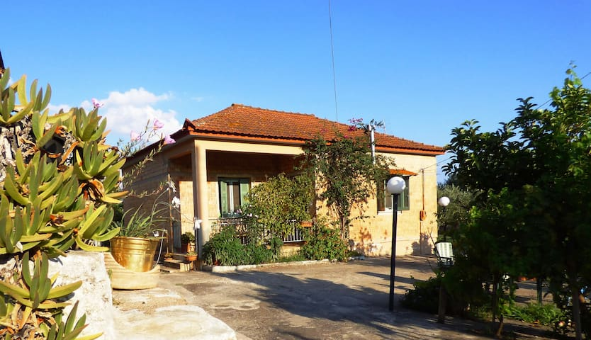 """Country house in the nature"" near to Anc. Messene - Valira - Casa"