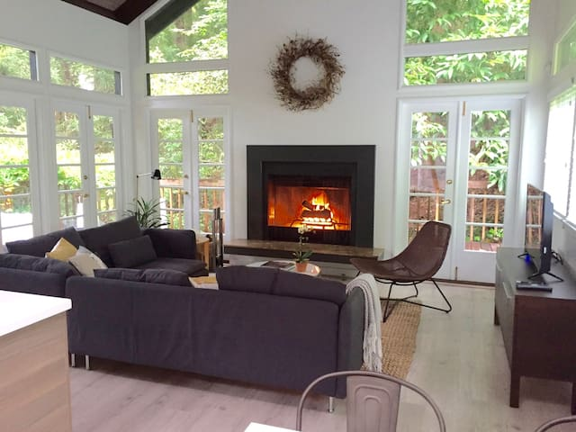 The Enchanted Cottage | A Mill Valley Gem - Mill Valley - Hus