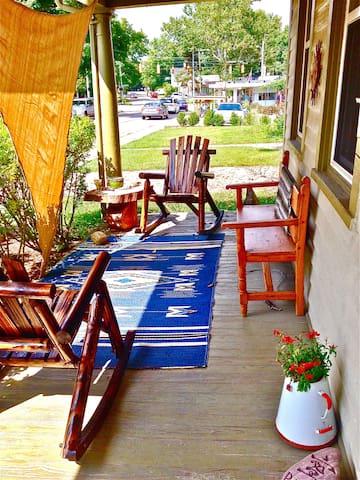 Retreat Style Getaway - Yellow Springs - Rumah