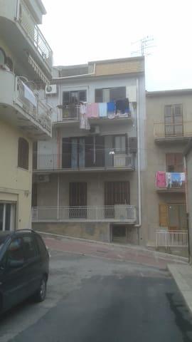 Vivre à la Sicilienne - Ravanusa - Huoneisto