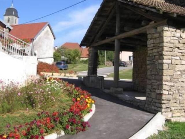 gîte dans 1 ancienne ferme rénovée - Saint-Hilaire