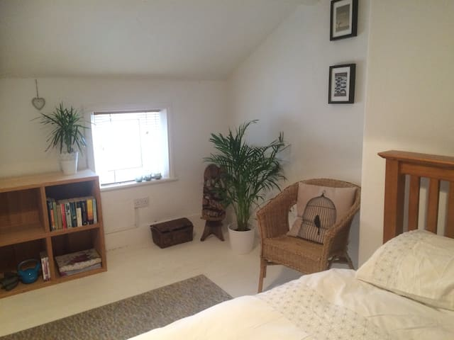 Cosy attic bedroom - Newcastle upon Tyne - Rumah
